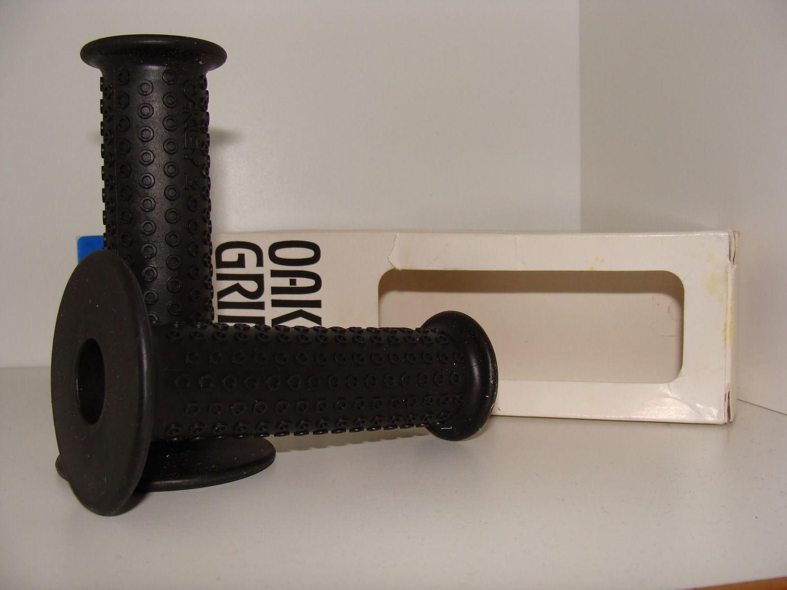 Sale: NIB Grips II - DSC03461.jpg