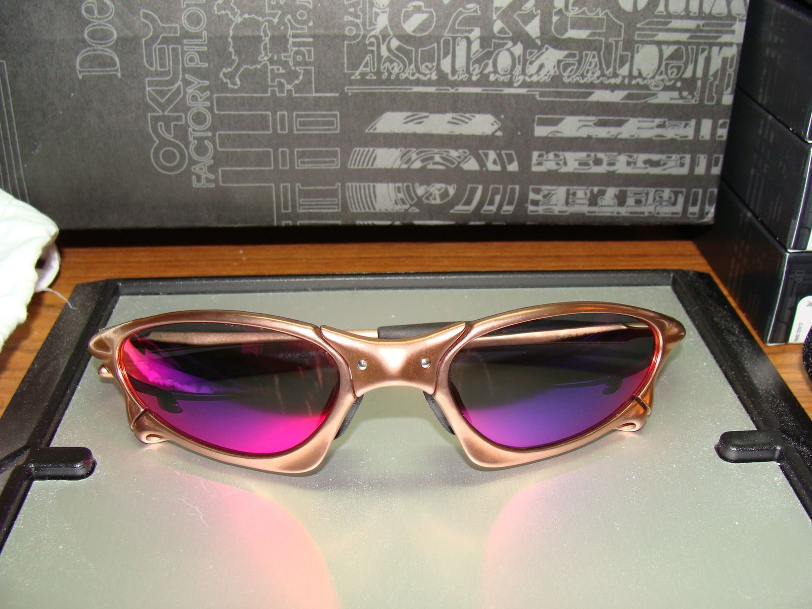 Custom Cut Pos Red Lenses For Penny (OEM Lenses) - dsc03592q.jpg