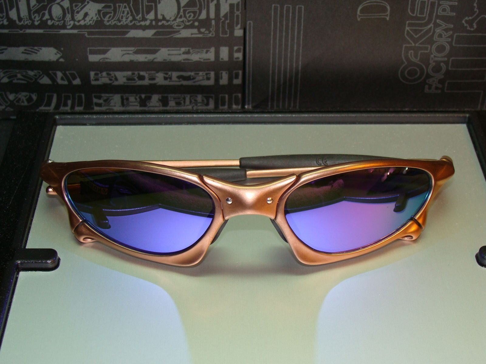 Custom Cut Violet Iridium Lenses For A Penny - dsc03607db.jpg