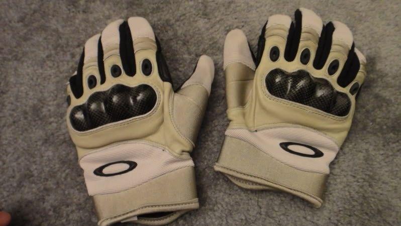 FS: Oakley SI Assault Gloves Size M (pics) - DSC03811.jpg