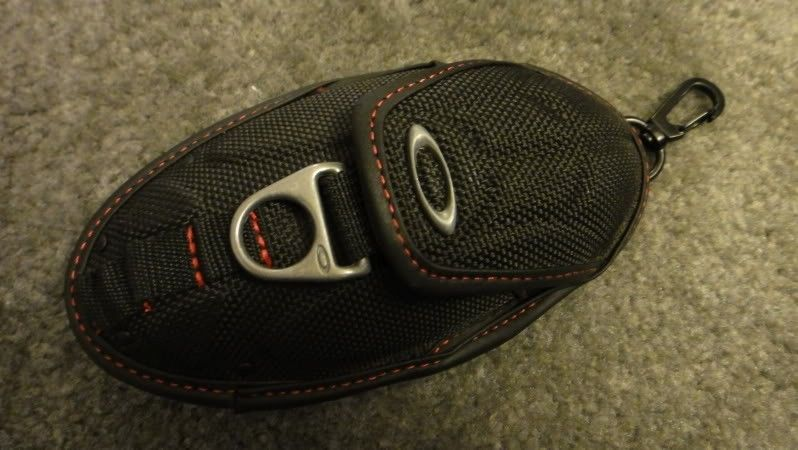 Oakley D Ring Lanyard (black) And New Cell Phone Case (black)  PICTURES!!!!!! - DSC04076.jpg