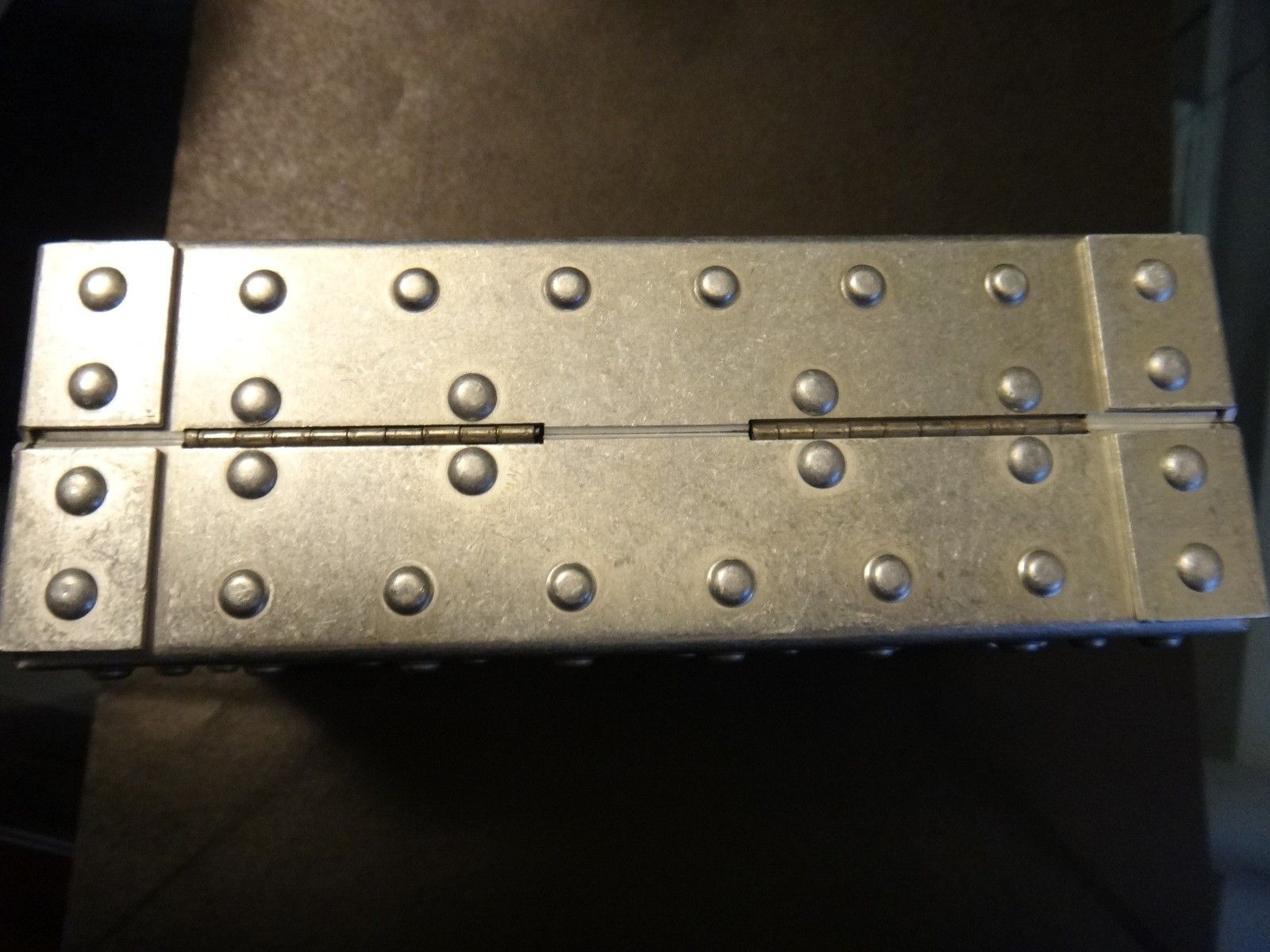 Oakley Metal Vault (The Vault) case with perfect foam - DSC05581.JPG