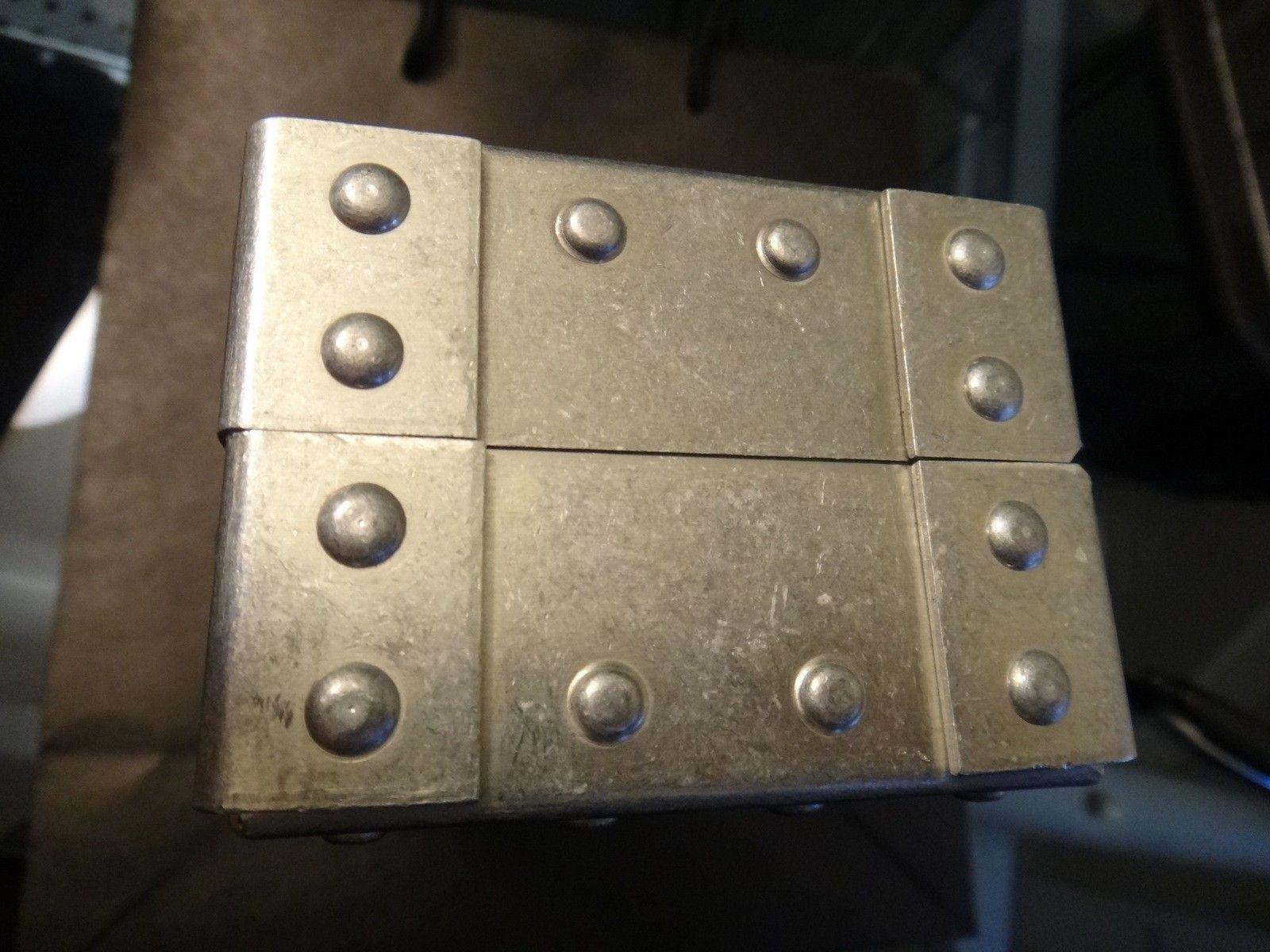 Oakley Metal Vault (The Vault) case with perfect foam - DSC05582.JPG