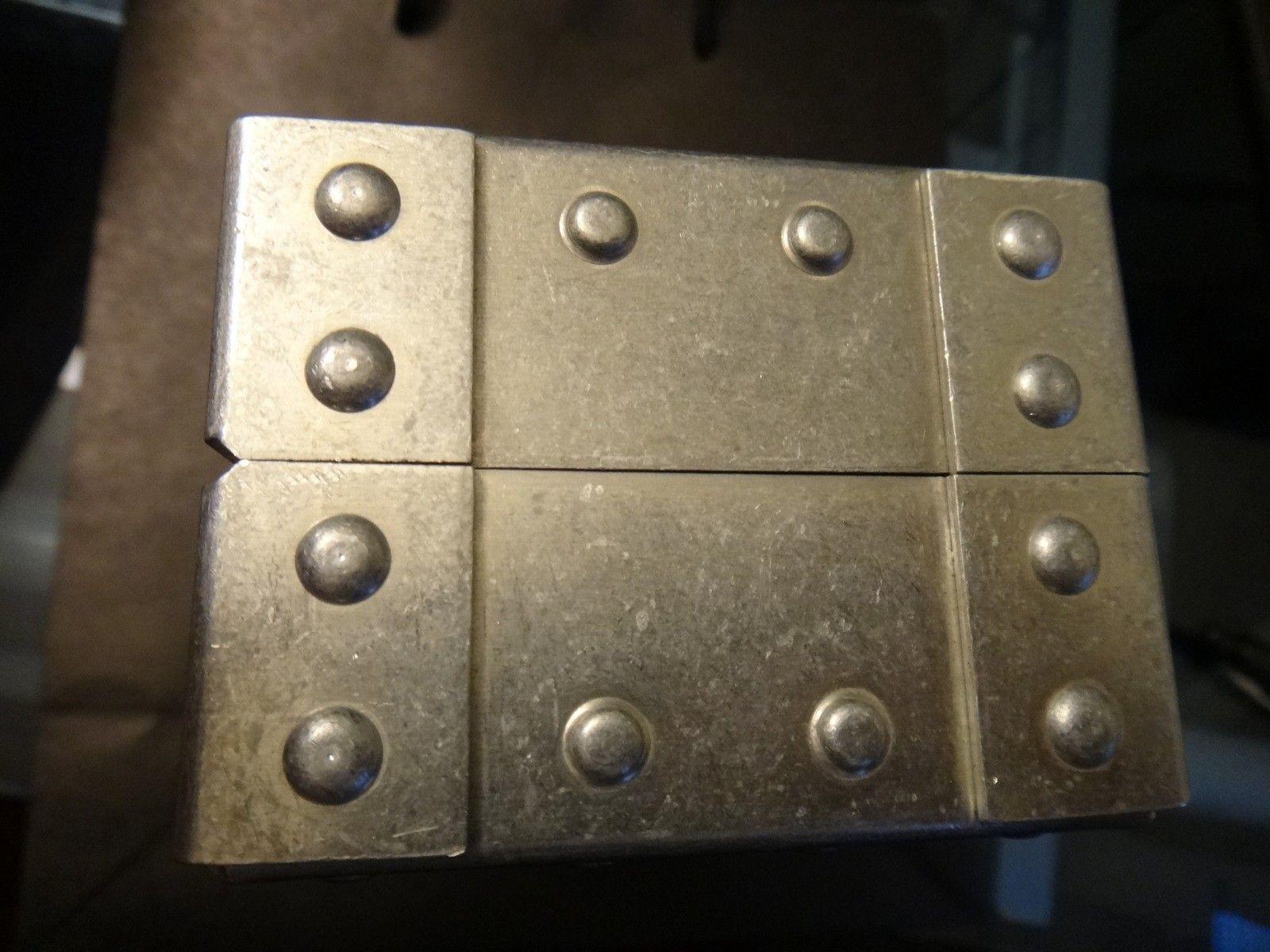 Oakley Metal Vault (The Vault) case with perfect foam - DSC05583.JPG