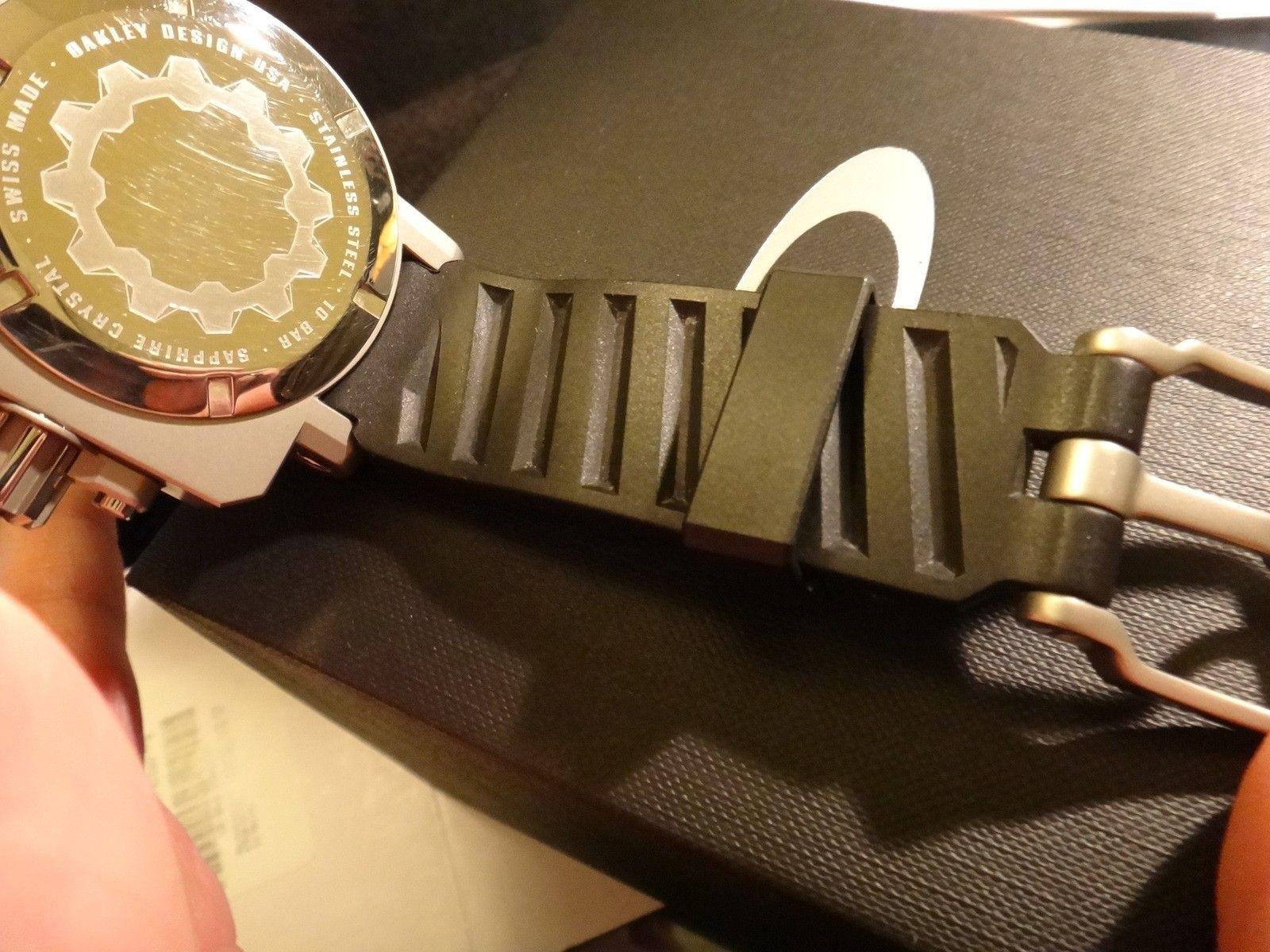 Oakley Gearbox brushed WHITE dial 10-064 stainless steel - DSC05722.JPG