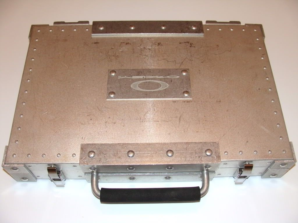 Oakley Briefcase - Goggle - DSC06299.jpg