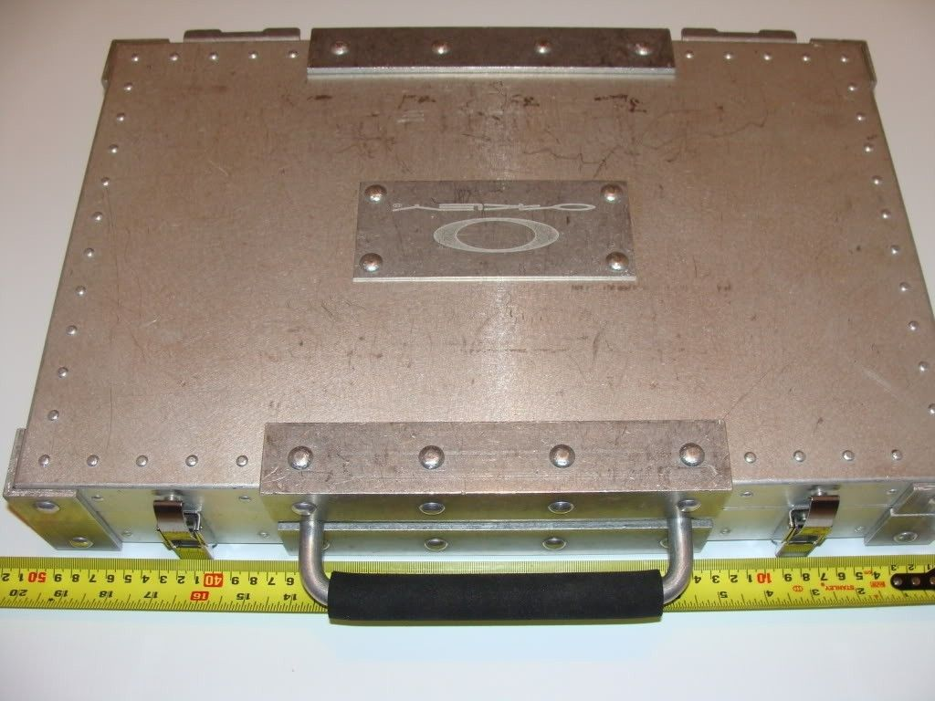 Oakley Briefcase - Goggle - DSC06304.jpg