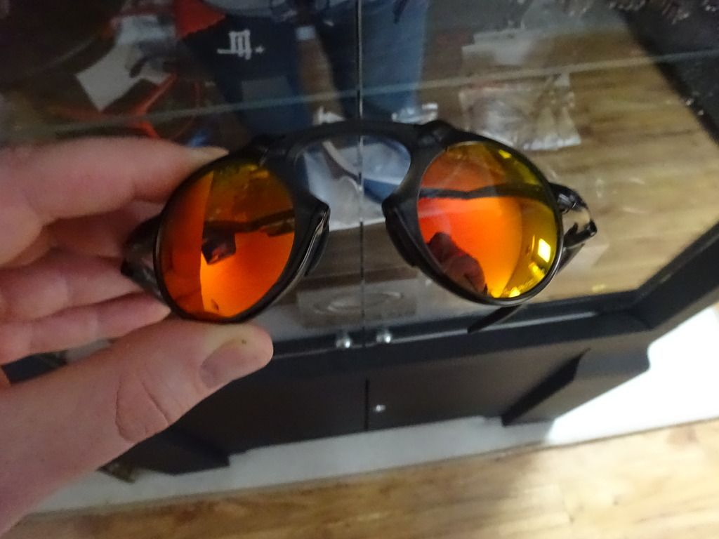 Madman Dark Carbon Ruby Iridium Polarized Sales Sample - DSC06678_zpsax00ggt9.jpg