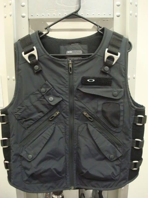 WTS Or WTT: Adaptable Payload AP Vest Size L - DSC07276.jpg