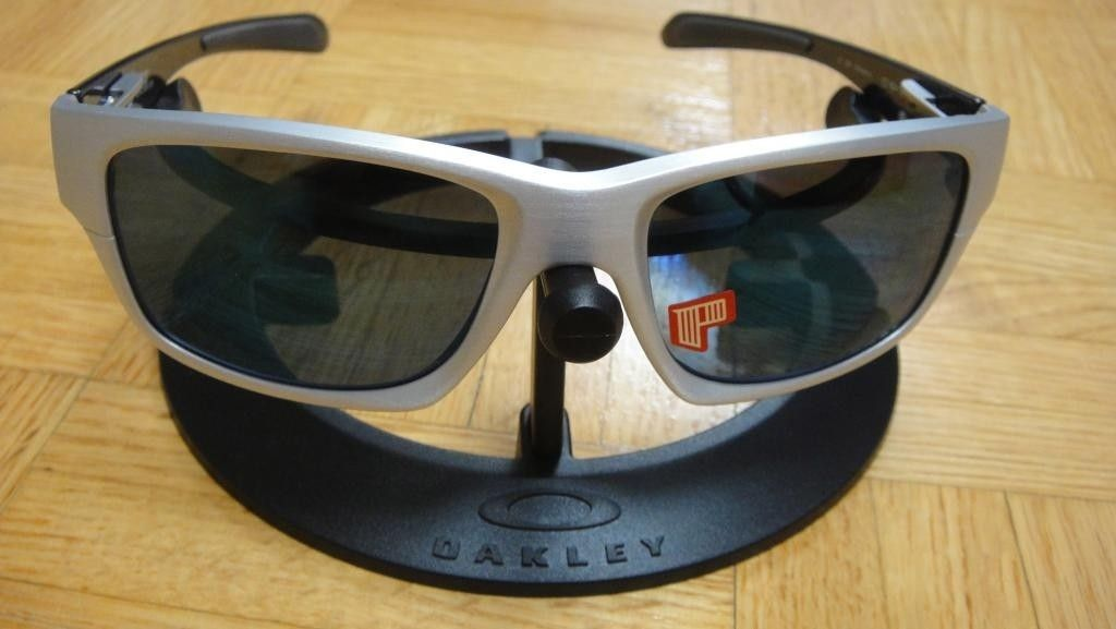 BNIB Jupiter Factory Lite Polarized (Brushed Aluminum/Ice Lens) - DSC08998.jpg