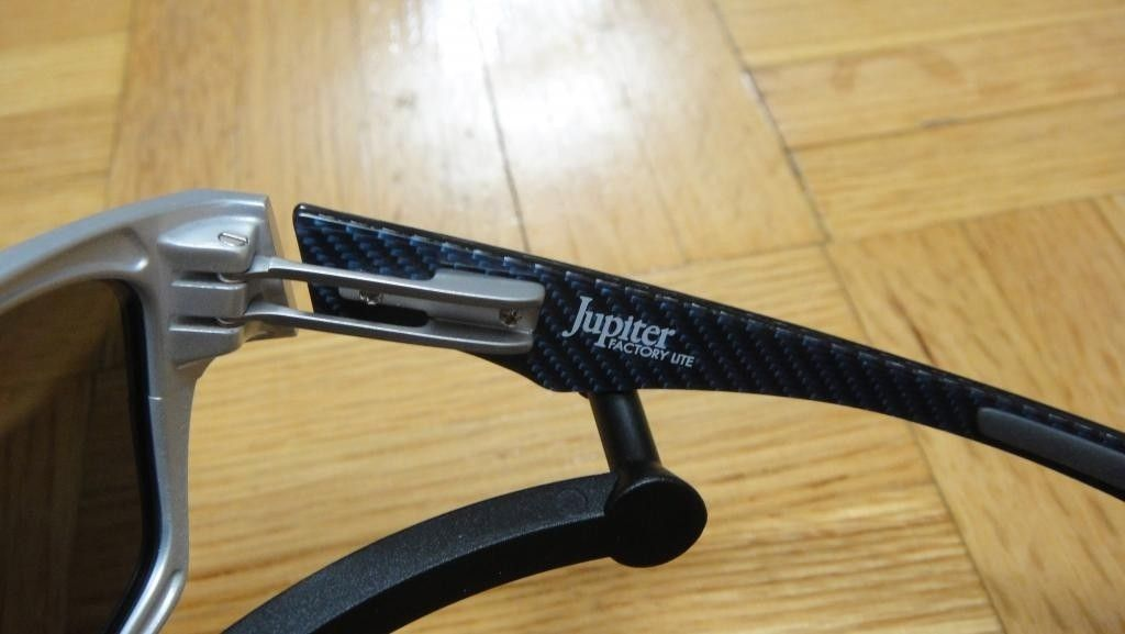 BNIB Jupiter Factory Lite Polarized (Brushed Aluminum/Ice Lens) - DSC09003.jpg