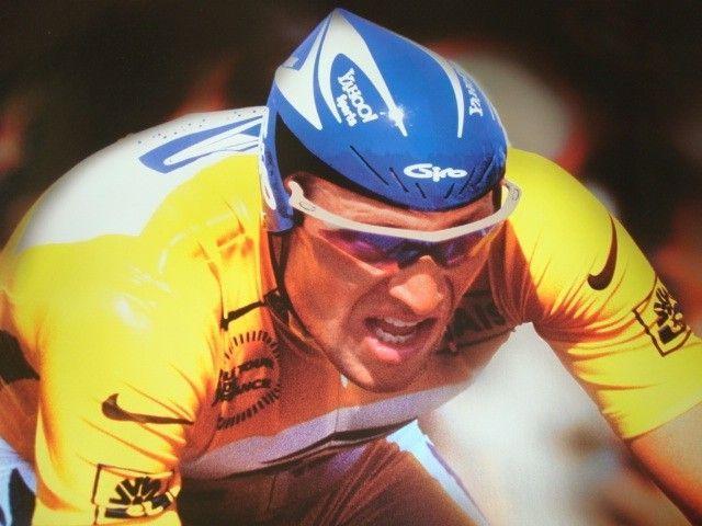 1999 & 2000 Lance Armstrong 2001 Ricky Carmichael Posters - DSC09149.JPG