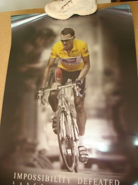 1999 & 2000 Lance Armstrong 2001 Ricky Carmichael Posters - DSC09150.JPG