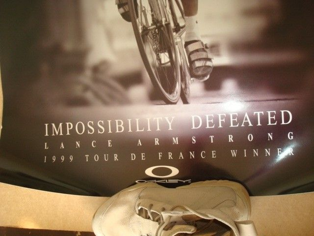 1999 & 2000 Lance Armstrong 2001 Ricky Carmichael Posters - DSC09151.JPG