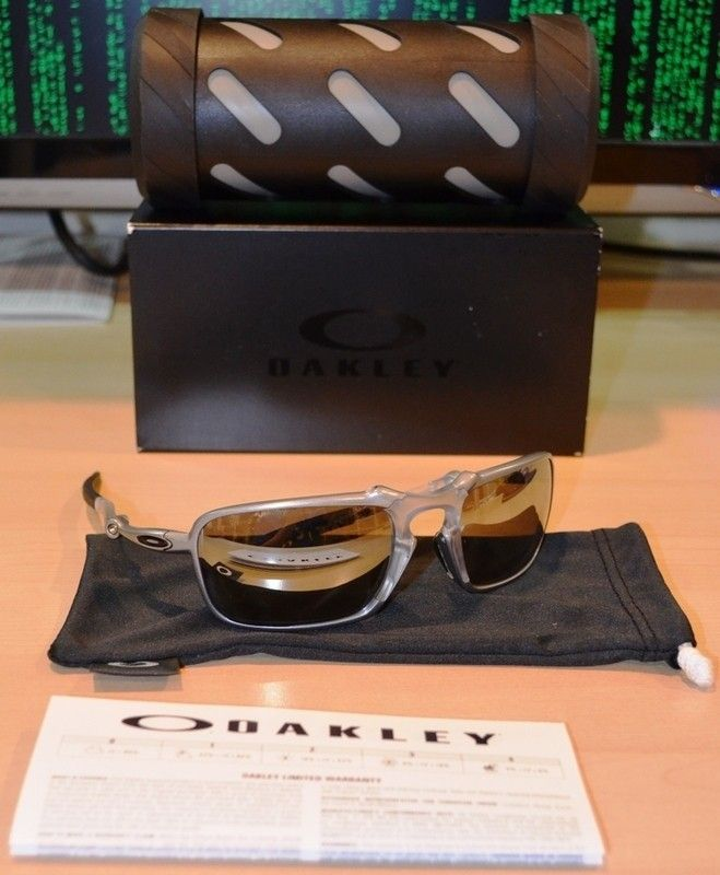 Chrome Iridium Polarized Badman With Case And Paperwork *PRICE REDUCED* - DSC_0008.jpg