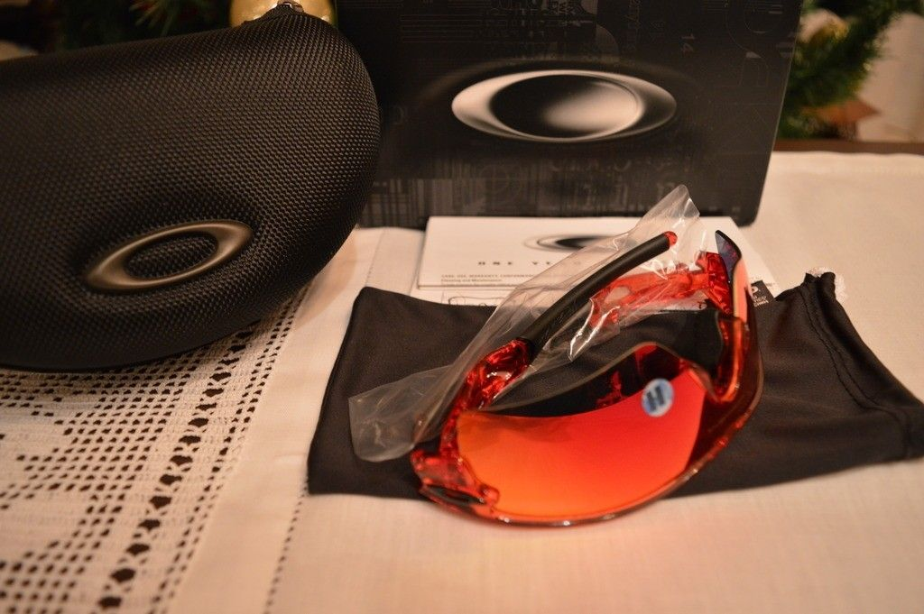 Oakley Radar Path crystal Red with Positive Red iridium sku#09-749 BNIB - DSC_0011_zpswqt38lzb.jpg