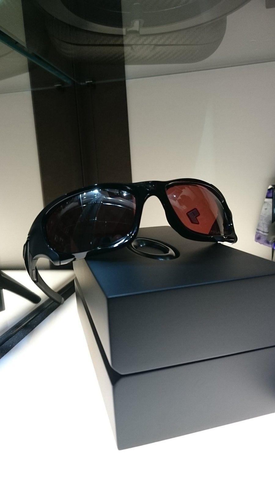 BNIB Pit Boss 2 - Polished Black with VR28 BIP - DSC_0017.JPG