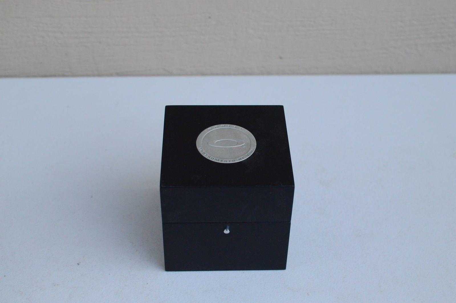 Gently Used Titanium Black Dial Minute Machine 10-193 - DSC_0170.JPG