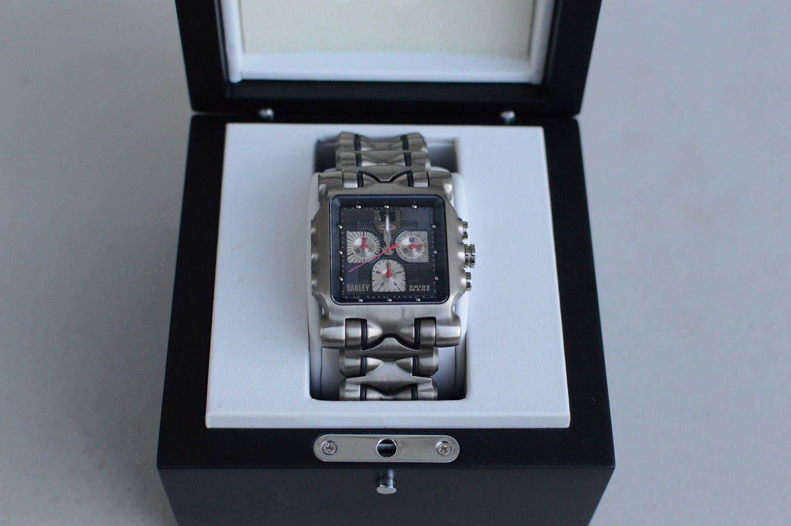 Gently Used Titanium Black Dial Minute Machine 10-193 - DSC_0172.JPG