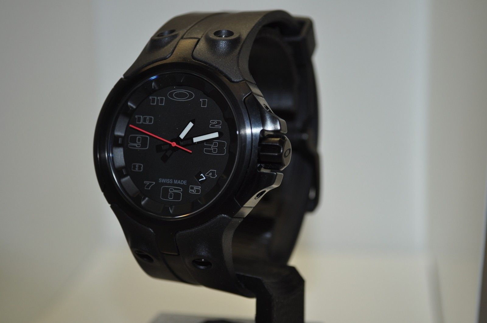 Bottle Cap Watch - Stealth Black/Black Dial/Unobtainium Strap 26-312 - DSC_0735.JPG