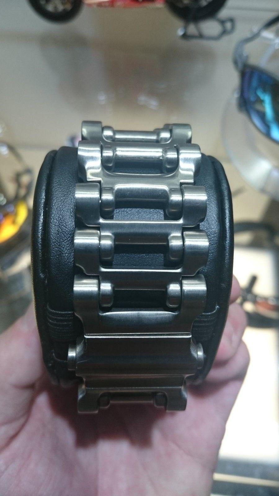 White face Hollowpoint watch - DSC_0939.JPG