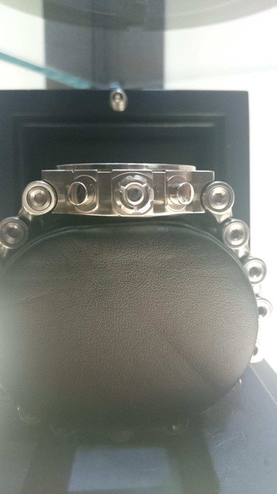 White face Hollowpoint watch - DSC_0943.JPG