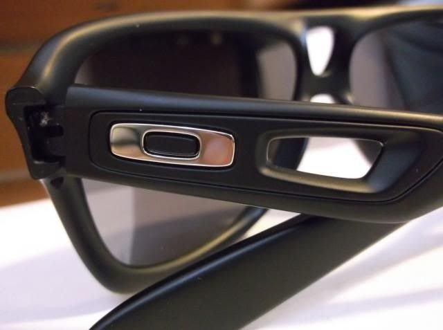 Oakley Dispatch Icons