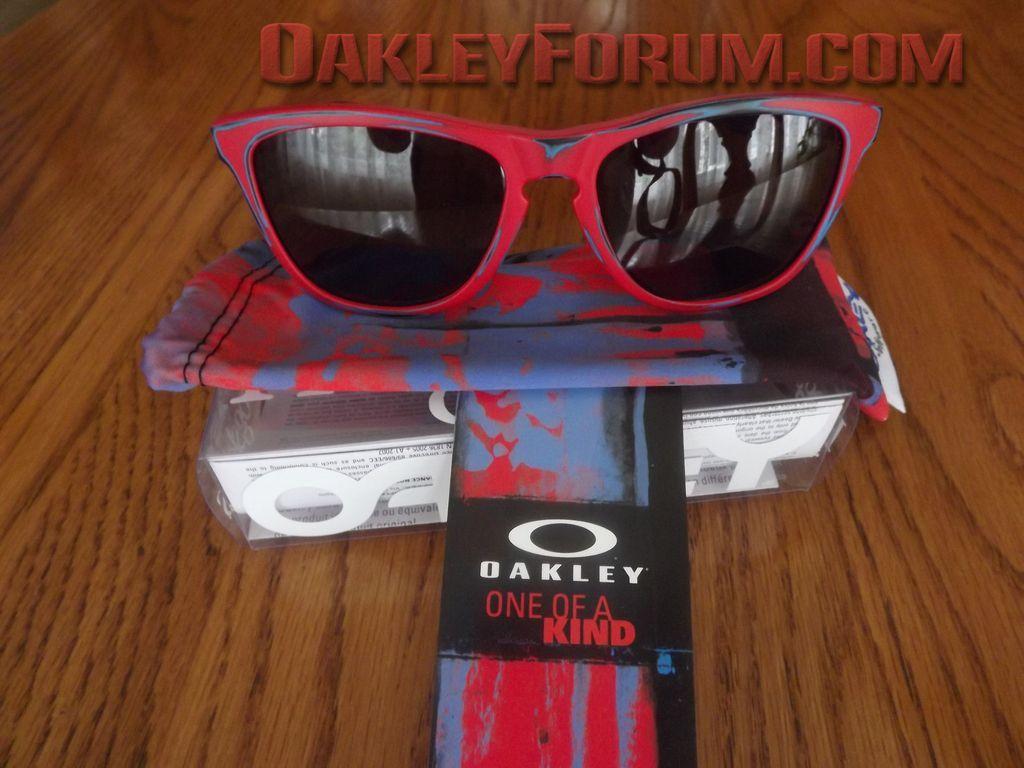 5,000 Member Free Oakley Skate Deck Frogskins Giveaway! - dscf1024c.jpg