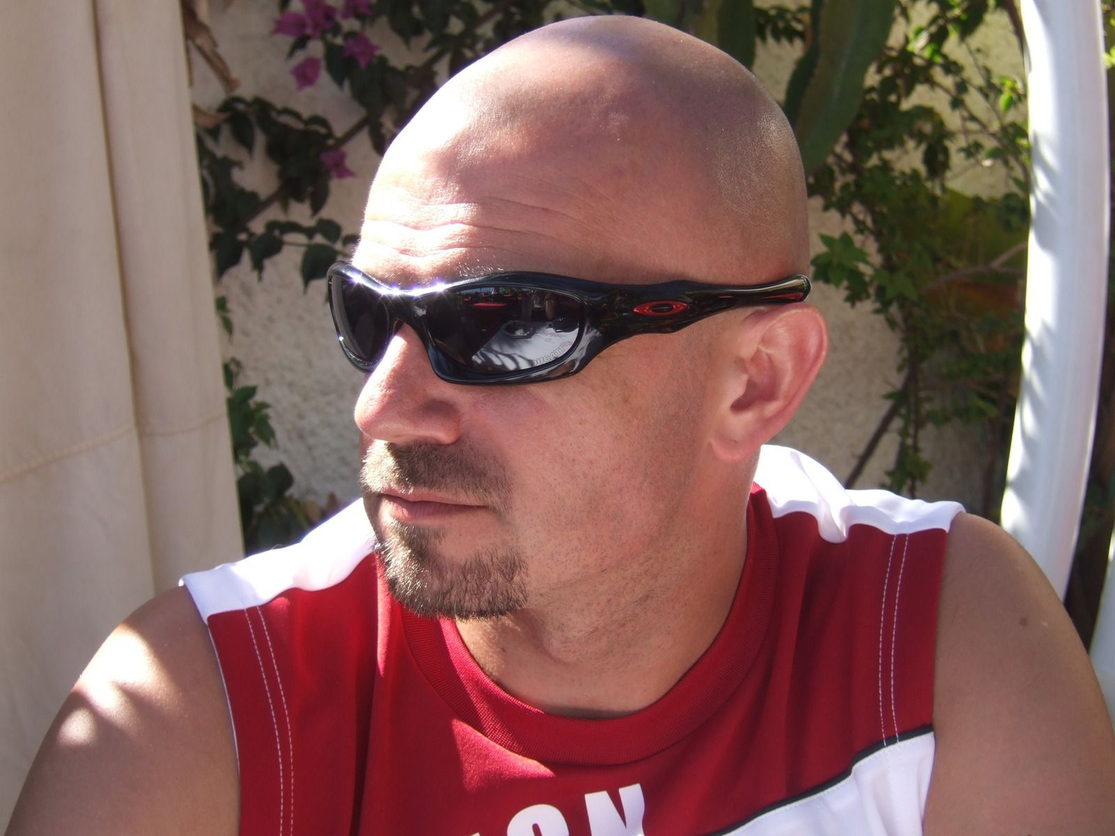 Feeling brave? Let's see some OLD pics of you wearing Oakleys. - dscf1966u.jpg
