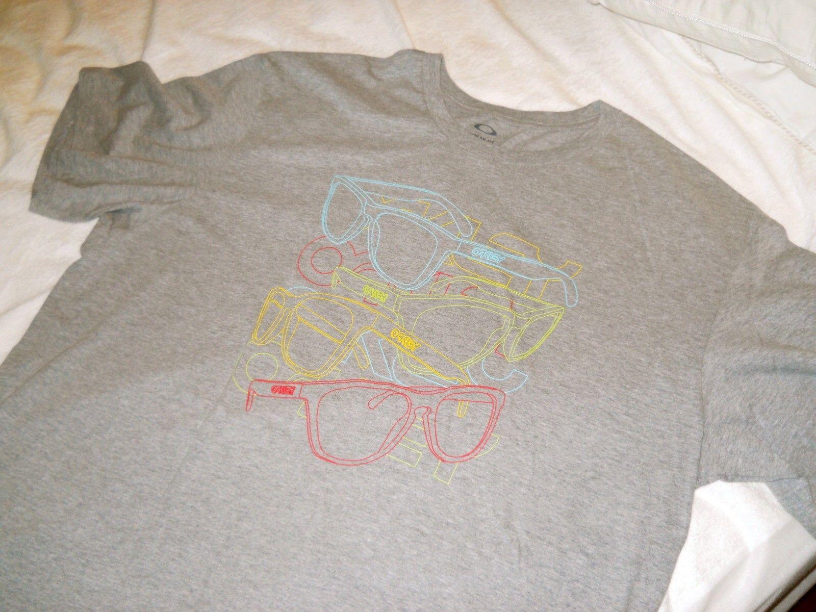 Frogskins Gray Tee Shirt - dscn0050k.jpg