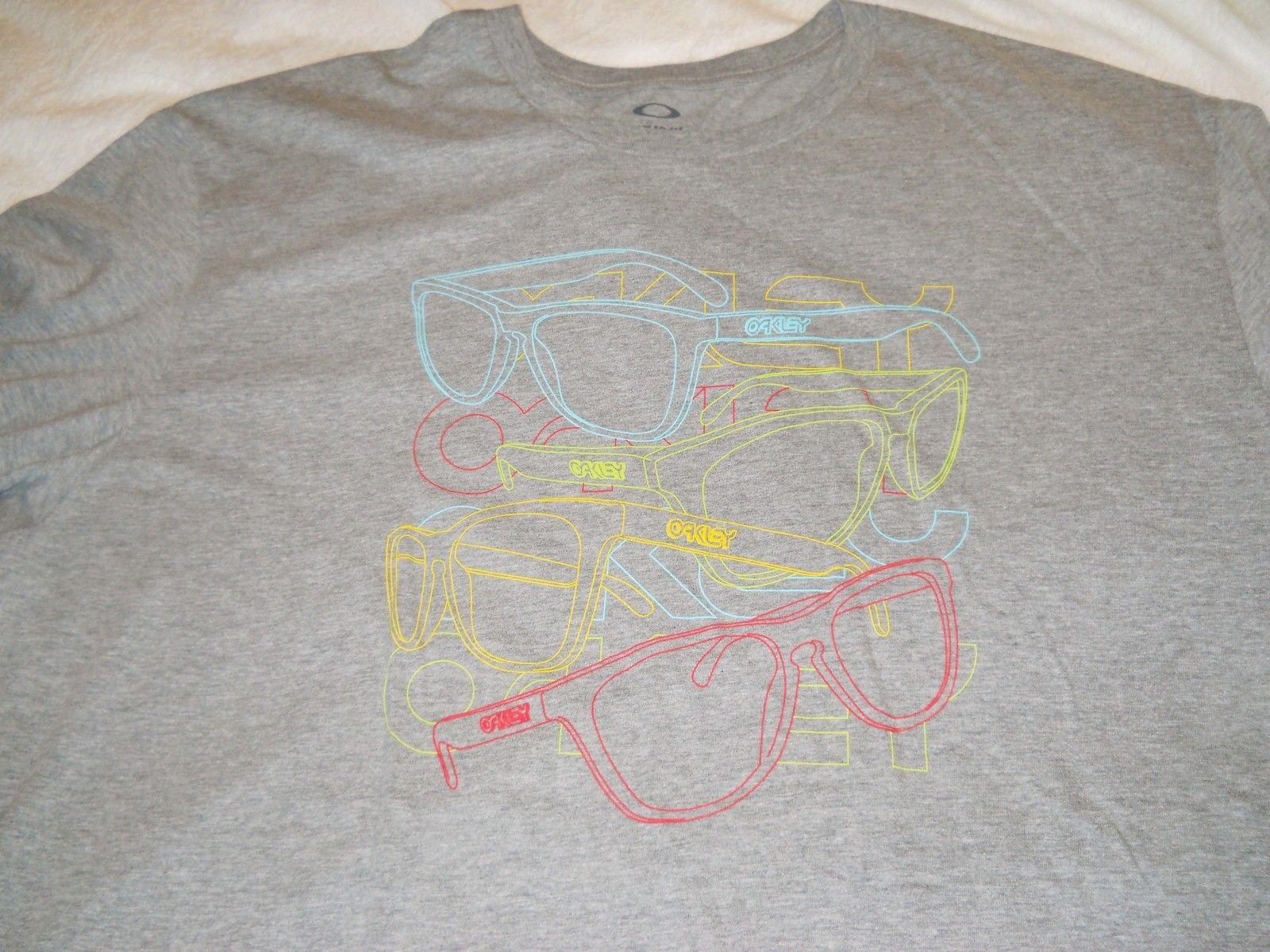 Frogskins Gray Tee Shirt - dscn0057s.jpg