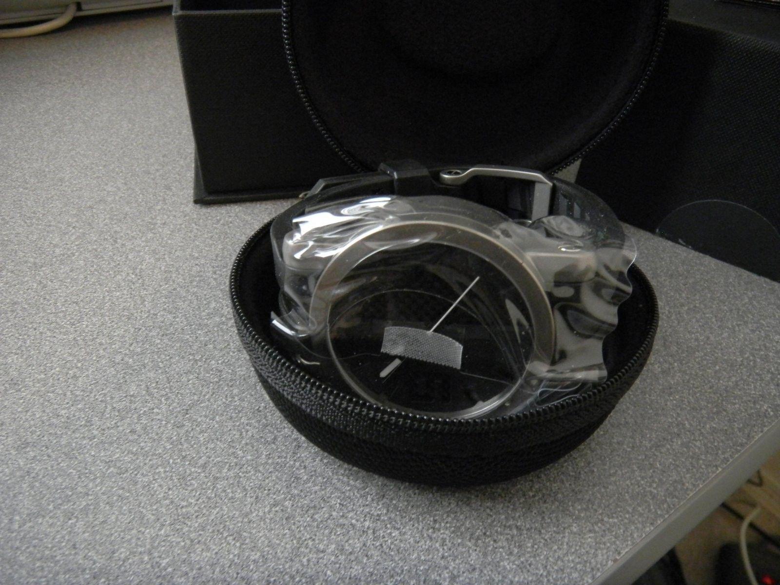 LNIB Gearbox TI Brushed /Black Carbon Dial - DSCN1926.JPG