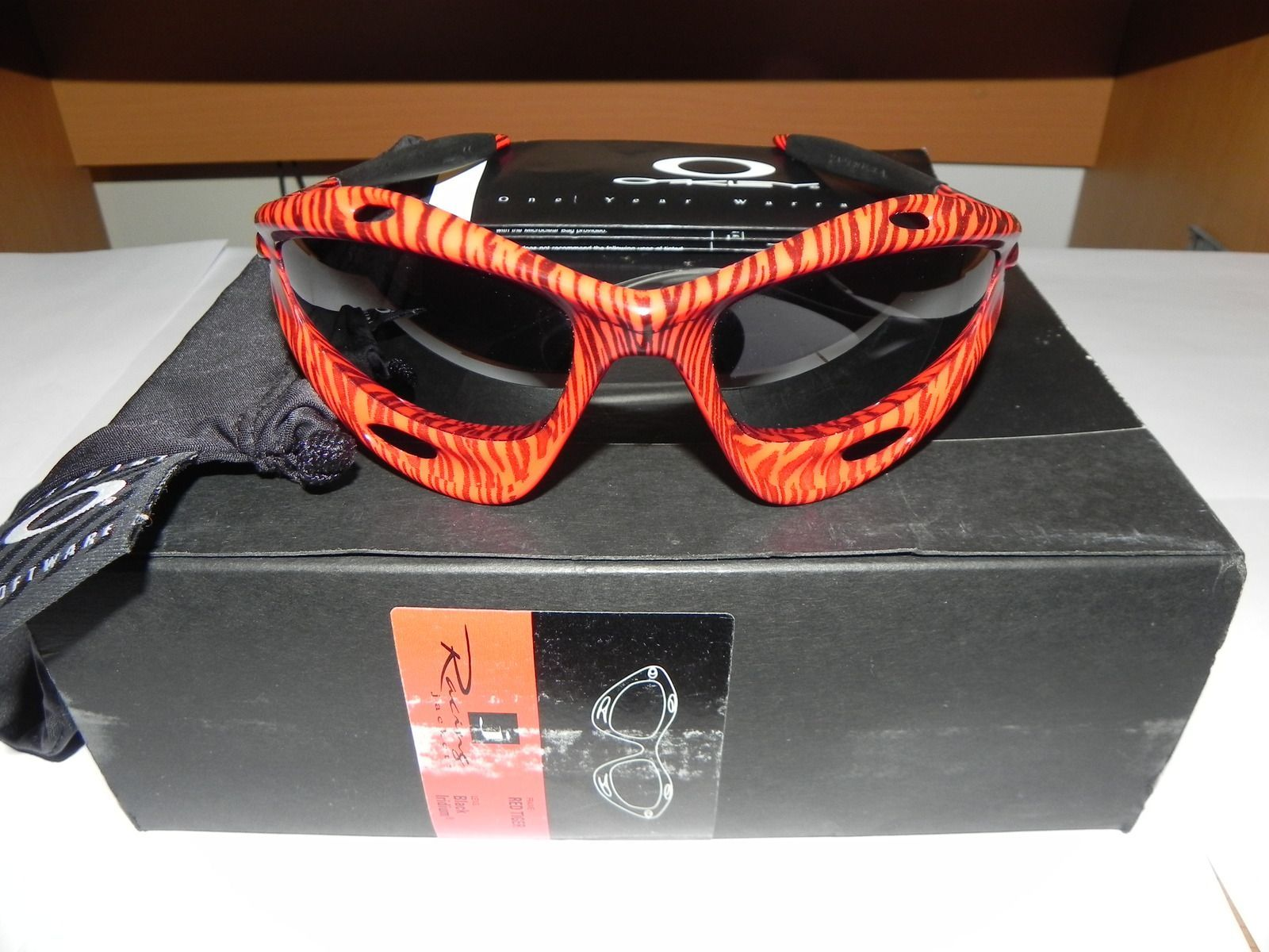 oakley red jacket xj5i  Red Tiger Racing Jacket With Box