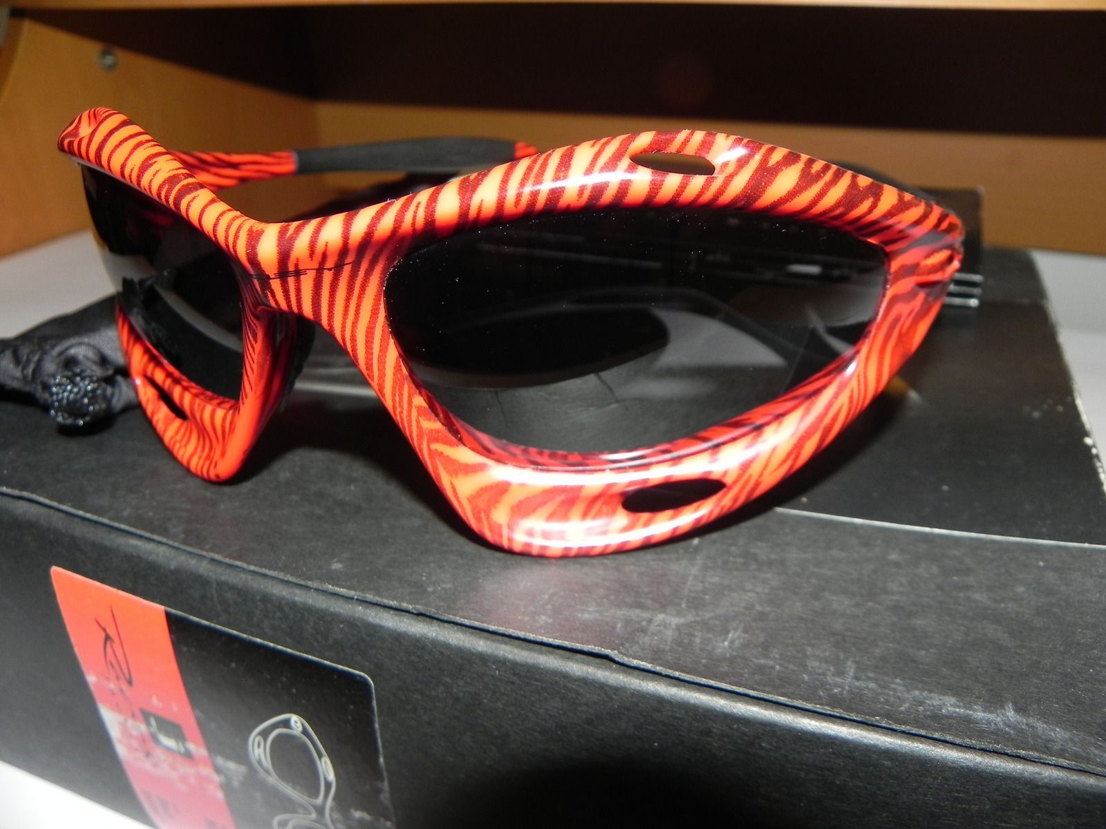 Red Tiger Racing Jacket With Box - DSCN3699_www.kepfeltoltes.hu_.jpg