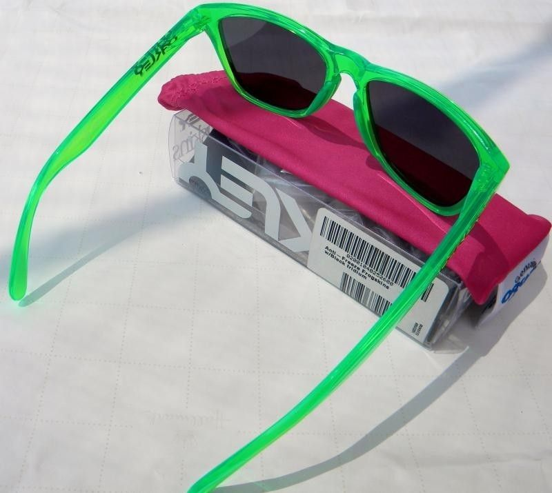 BNIB Antifreeze And Purple To Clear Fade Frogskins - DSCN4035_zpsf660a182.jpg