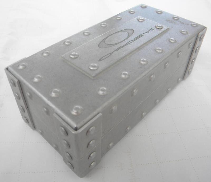 Square Metal Vault W/o Foam - DSCN4075_zps656cbb7d.jpg