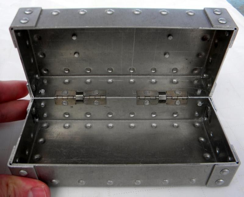 Square Metal Vault W/o Foam - DSCN4076_zpsa01dd977.jpg