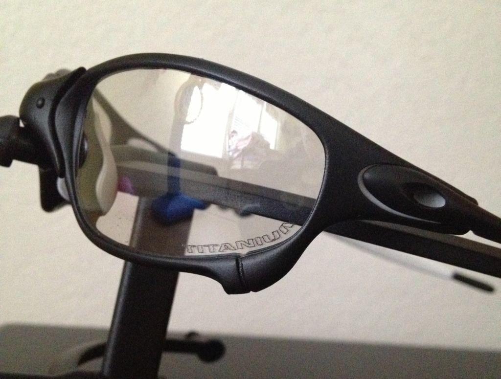 Oakley Juliet Carbon Frame - dyvuny9e.jpg