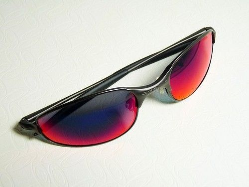 Your coolest pair of Oakley's - e wire.jpg