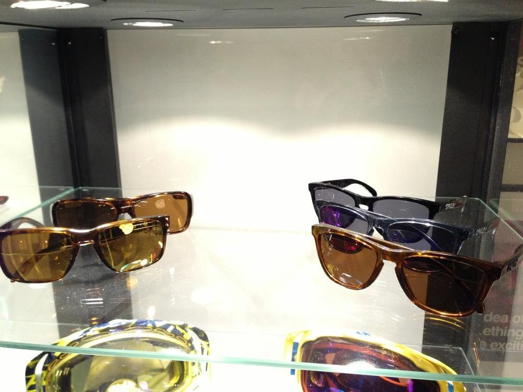 A Collection Of Goggles, Sports Shades And Few Others - e3ajymej.jpg