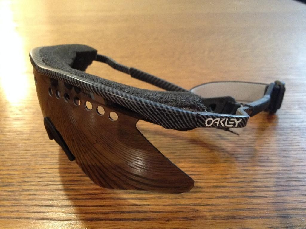 Oakley M Frame Fingerprint with Black Iridium Lens
