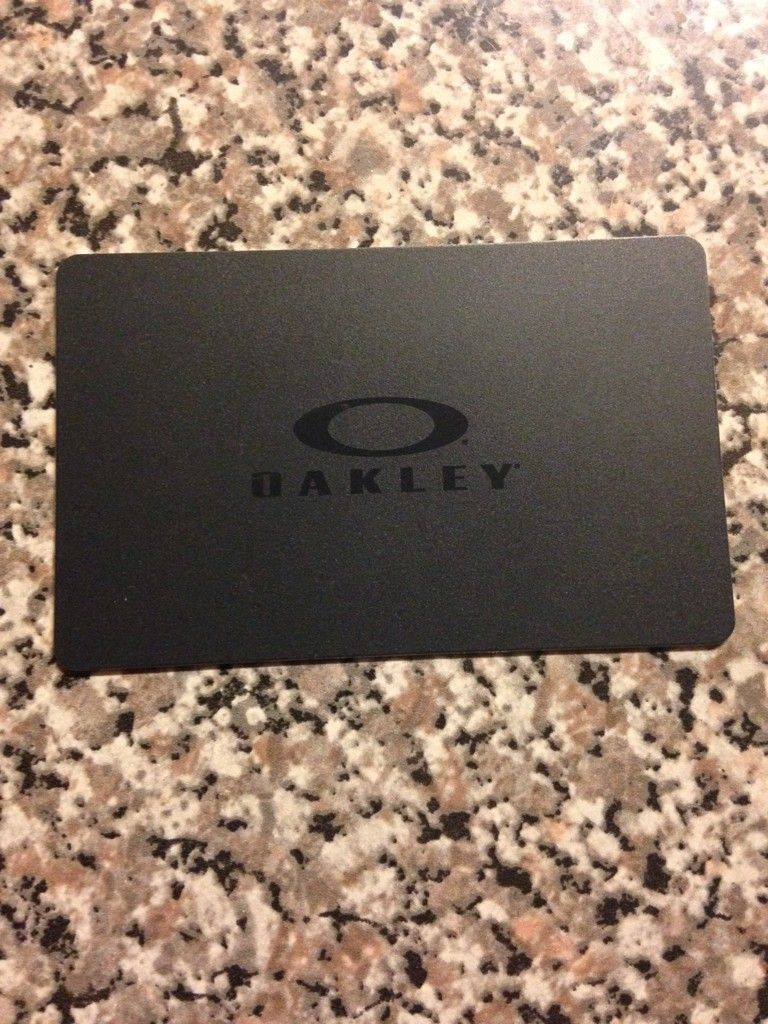 Used Oakley Gift Cards - e8eqa3a9.jpg