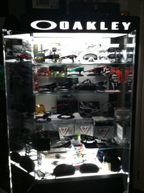 Oakley Display Cases #2 And #3 - e8yre8uq.jpg