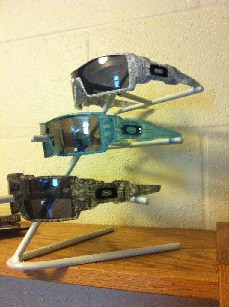 Oakley Stand - e9ce0a2f.jpg