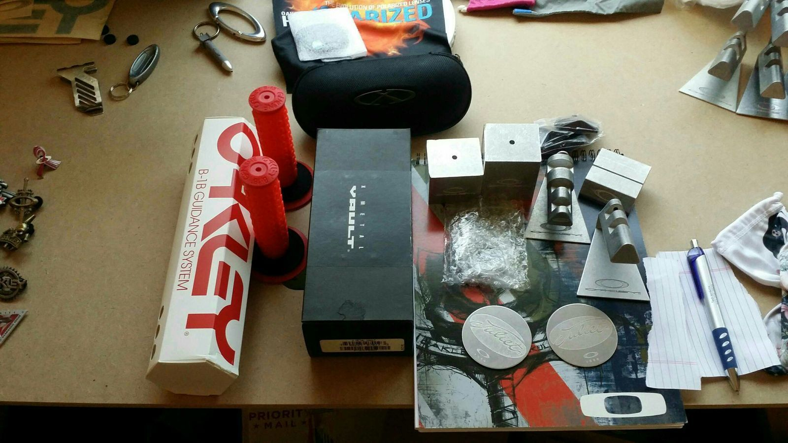 display items, rubbers, lenses and whatever else i can find - ed46a197d9e59b45d782b785c724ed2d.jpg