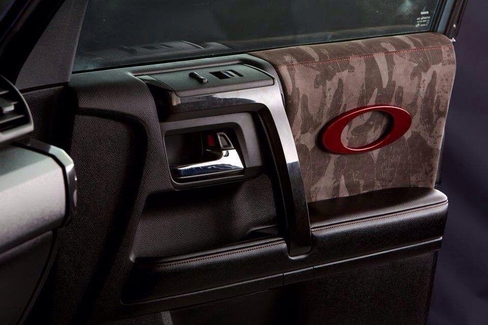 Oakley Vehicles - edyme9a8.jpg