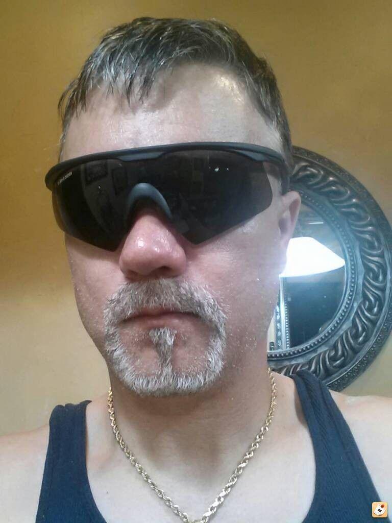 What Goggles Does Tom Cruise Wear In Oblivion? - enumyze5.jpg