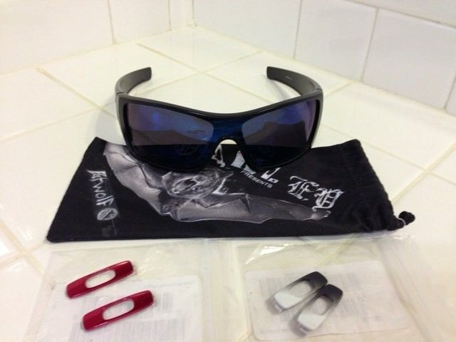 WTS: Oakley Batwolf With 2 Extra Changeable Icons - eqygu8e4.jpg