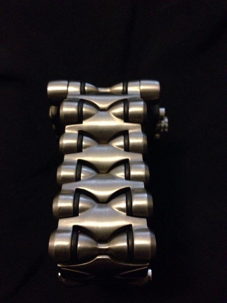 Titanium R1  /   Titanium Band Minute Machine - evydeqag.jpg
