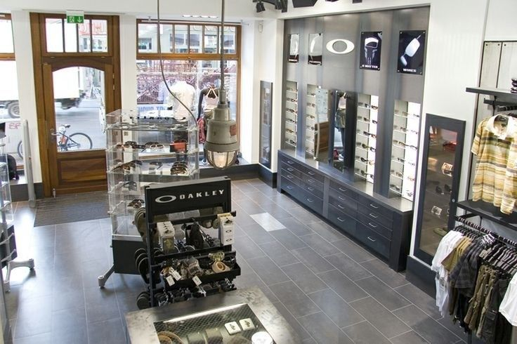 What Oakley Store Did You Visit Today? - f41f98797625abede191793d282e7c06.jpg